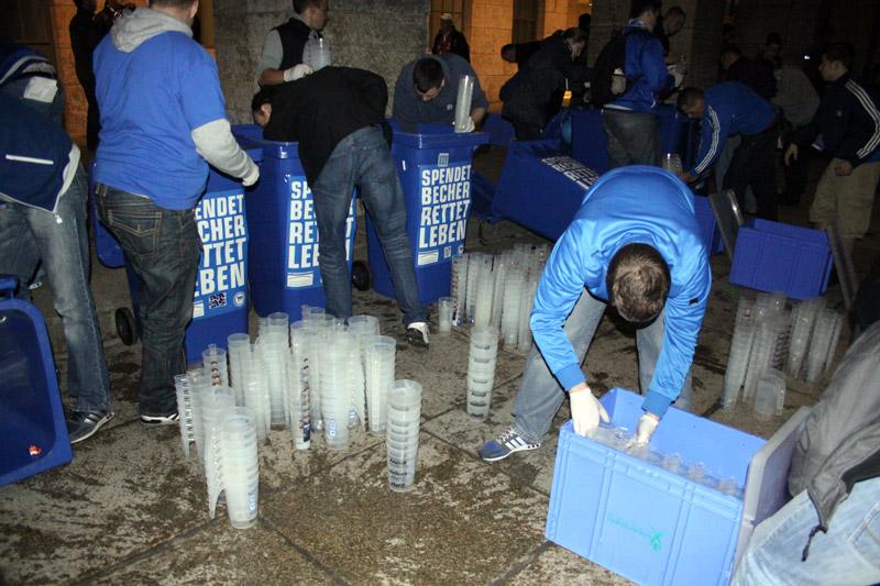 Spendet Becher - Rettet Leben 2012